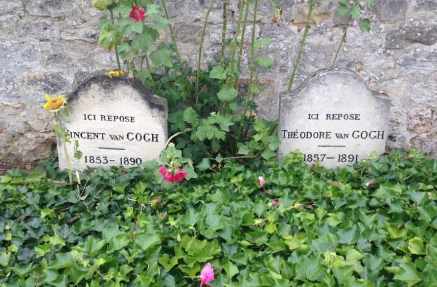 How did Vincent van Gogh support his brother Theo?
