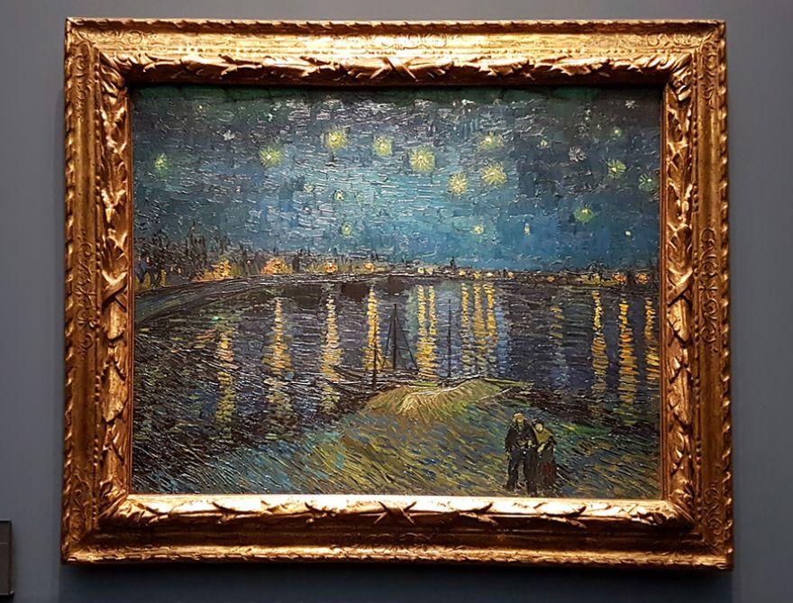 La Nuit Étoilée sur le Rhône in the Musée d'Orsay in Paris.